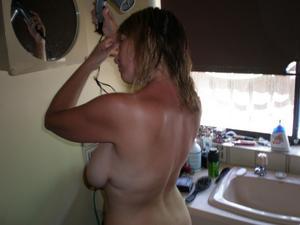 Blonde-Shaven-MILF-Amateur-%28x304%29-z6p2a6mtbn.jpg