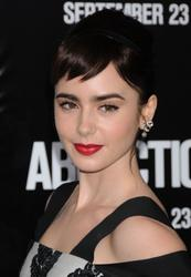 Лили Коллинз, фото 550. Lily Collins 'Abduction' Los Angeles Premiere at Grauman's Chinese Theatre on September 15, 2011 in Hollywood, California, foto 550