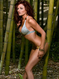th_309699908_tduid4189_maria_kanellis_summer_skin_19_Mh6C0e7.sized_122_248lo.jpg