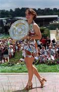 Martina Hingis - Trophy Presentation Wimbledon 1997 - 4x