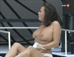 Theater video nackt Naked On