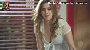 Lua Blanco e Sophia Abrahao sensuais na novela Rebelde