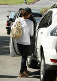 th_99435_Halle_Berry_leaving_her_house_in_LA_02_122_849lo.jpg