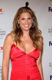 Daisy Fuentes Areola slip in first pic Foto 110 (����� ������� Areola ���������� � ������ ��� ���� 110)